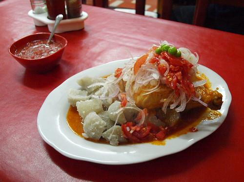 Bolivia: Picante de pollo en La Paz