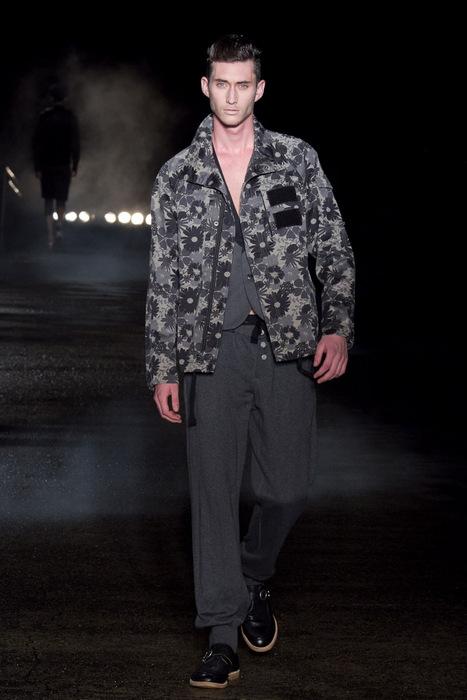 Mathias Bilien3003_SS11_Tokyo_Davit MEURSAULT(Fashionsnap)