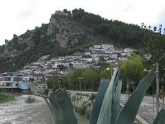 2010-5-albania-030-berat-mangalem