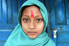 Mandira  Dansing (Jules1405) Tags: world travel nepal portrait people girl asian kid asia child little national asie geographic dansing tikka nepali mandira reflectionsoflife lovelyphotos jules1405 unseenasia