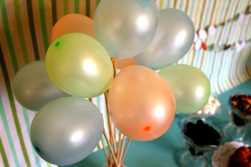 tiny balloons