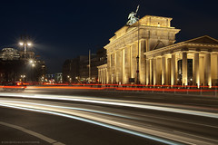 Evening in Berlin (Dietrich Bojko Photographie) Tags: city light berlin germany deutschland evening licht brandenburgertor nigth lichter dietrichbojko dietrichbojkophotographie