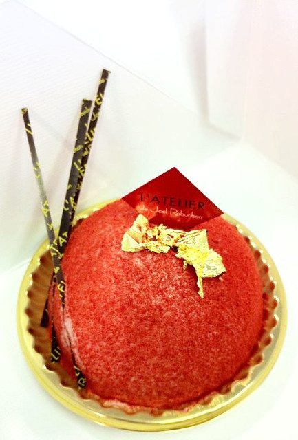 Rose & Pistachio Cake from L'Atelier de Joel Robuchonh