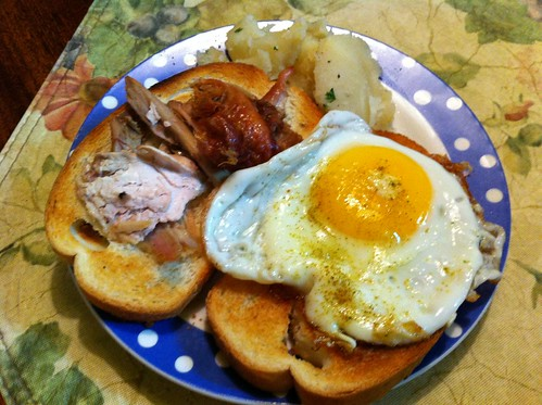 Turkey and fried egg sandwich