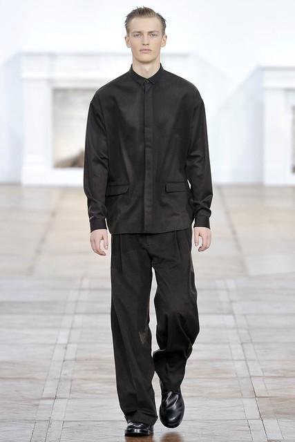 Victor Nylander3023_FW11_Paris_Dior Homme(VOGUEcom)