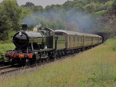 2857 with Gresley Stock at Foley Park (simonjohn4) Tags: foley park severn valley railway 2857 gresley coaches