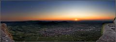 Sonnenuntergang auf Burg Hohenneuffen (Dieter Meyer) Tags: sonnenuntergang hohenneuffen neuffen schwäbische alb badenwürttemberg germany sunset schwäbischealb landschaft landscape burg panorama deutschland sun himmel sky