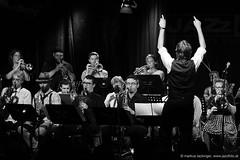 Mozarteum BigBand -  Jazzit Musik Club Salzburg (jazzfoto.at) Tags: a77m2 wwwjazzfotoat wwwjazzitat jazzitsalzburg jazzitmusikclubsalzburg jazzitmusikclub jazzfoto jazzfotos jazzphoto jazzphotos markuslackinger jazzinsalzburg jazzclubsalzburg jazzkellersalzburg jazzclub jazzkeller jazzit2017 jazz jazzsalzburg jazzlive livejazz konzertfoto konzertfotos concertphoto concertphotos liveinconcert stagephoto greatjazzvenue greatjazzvenue2017 downbeatgreatjazzvenue salzburg salisburgo salzbourg salzburgo austria autriche blitzlos ohneblitz noflash withoutflash sony sonyalpha sonyalpha77ii alpha77ii mozarteum mozarteumsalzburg universitätmozarteumsalzburg sw schwarzweiss blackandwhite blackwhite noirblanc bianconero biancoenero blancoynegro