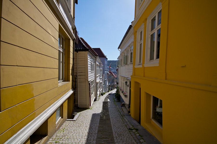 narrow-street3