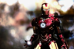 make your mark (soyboy7) Tags: statue actionfigure bokeh ironman marvelcomics avengers tonystark 2010 markiv sandiegocomiccon sideshowcollectibles nikond60 marvelstudios invincibleironman 16scalefigure