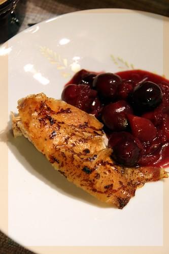 Pintada o gallina de Guinea con salsa de cerezas