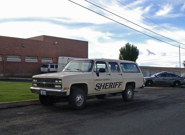 rural town washington wa sheriff suv davenport transporter lincolncounty slicktop lincolncountysheriff lincolncountywashington pluto665 latemodelchevysuburban