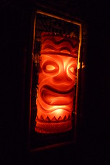 Light-up tiki at Hala Kahiki