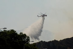 ERICKSON AIR CRANE HELICOPTER N957AC (Navymailman) Tags: road ranch santa fire canyon brush stevenson pico rd clarita