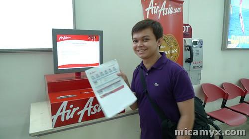 Winston and the AirAsia Mobile Kiosk
