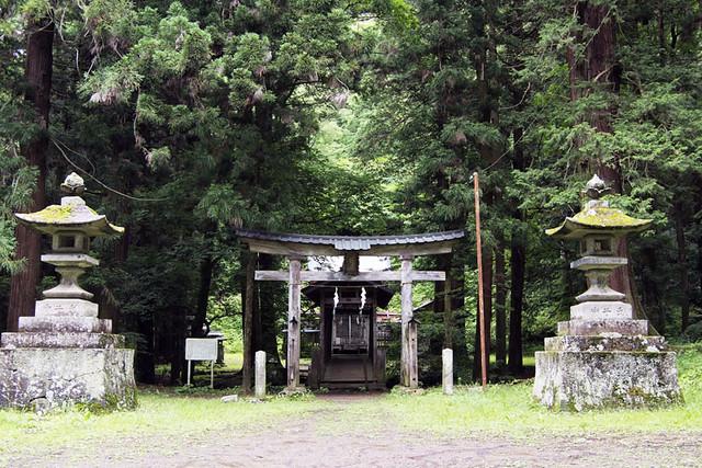 100627_103641_塩野神社