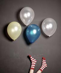(Ebtesam.) Tags: red black 35mm balloons nikon balloon saudi arabia jeddah 18 saudiarabia ♥ shosho وكل عام بخير وانتم مخطط شراب يارب شوشو 35mm18 nikond40x ebtesam بلونات