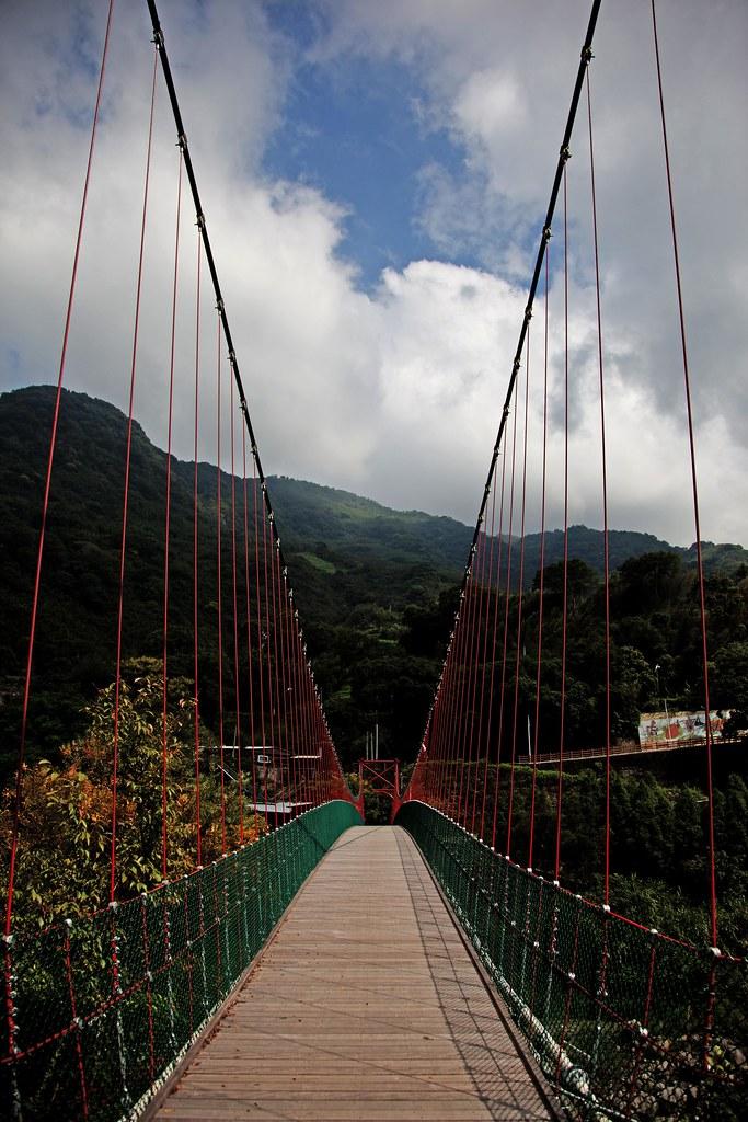 I 腾龙吊桥+龙安桥 腾龙温泉山庄 腾龙吊桥 往鸟嘴山 民宿外的景 泰安