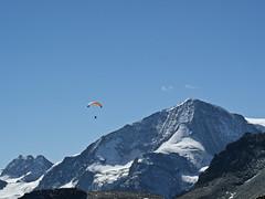 VercoFly 2010 Le pigne d'Arolla (JMVerco) Tags: mountain montagne switzerland suisse paraglider montagna parapente parapendio swizzera dragondaggerphoto enlairavectwistair vercofly vercofly2010