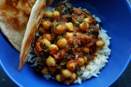 Chickpeas curry with spinach