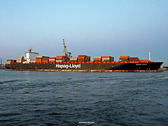 MONTREAL EXPRESS Hapag-Lloyd (Reinhard_Schuldt ( Brigitte Schuldt)) Tags: river boats harbor boat ship ships hamburg vessel cargo container hafen merchant schiff elbe schiffe cargoship