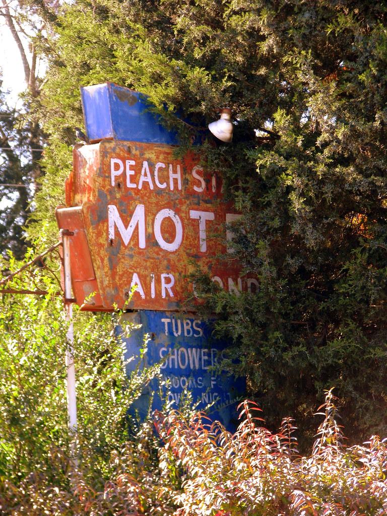 Peach State Motel sign