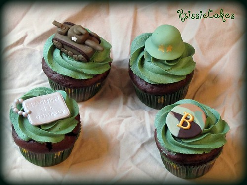 Braeden's 7th Birthday Army Cupcakes