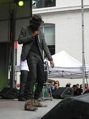 tiff Toronto International Film Festival block party K'naan September 12 2010 (Meteor54) Tags: toronto opening tiff openhouse blockparty torontointernationalfilmfestival knaan wavingflag belllightbox wavinflag