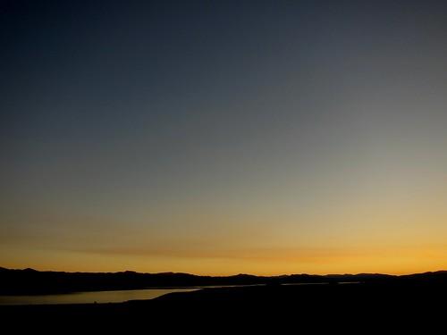 Lever de soleil sur Mono Lake depuis Lee Vining