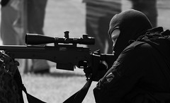 salute people (115) (Lisa Tiffany Photography) Tags: show dublin irish war gun military rifle eire weapon sword terrorism knight sas specialforces salutemilitaryshowireland2010