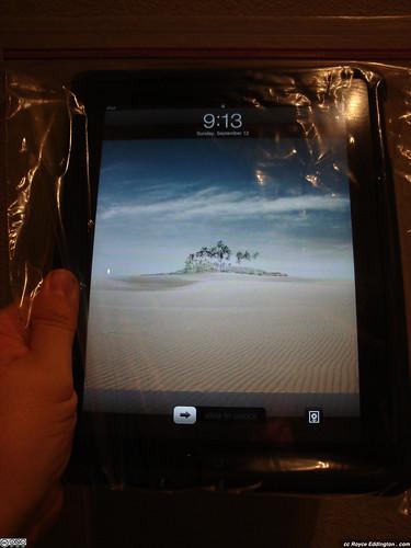 iPad + Ziploc 04