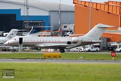 OE-LGX - 9323 - Vista Jet - Bombardier BD-700-1A10 Global Express - 100909 - Luton - Steven Gray - IMG_9192
