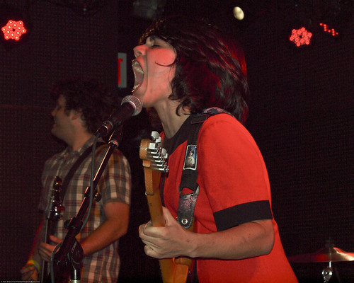 09.15.10 Screaming Females @ Knitting Factory (10)
