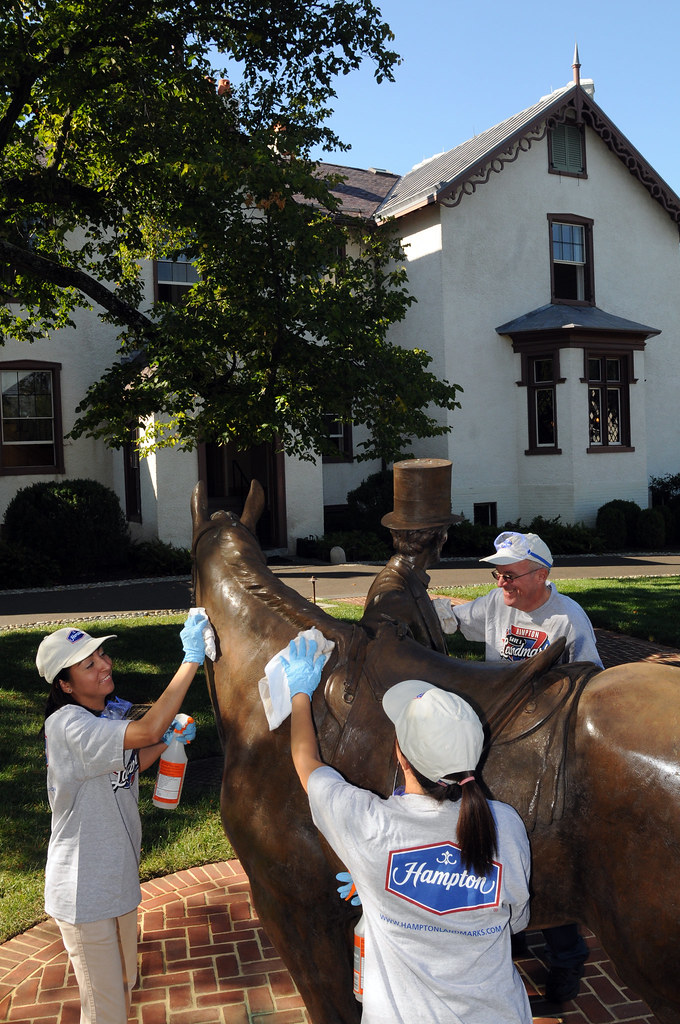Hampton Hotels' Save-A-Landmark program celebrates its 10th anniversary at President Lincoln's Cottage in Nation's Capital