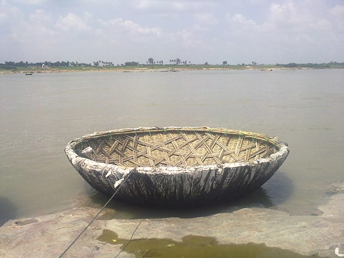 Boat beside Thungabhadra river
