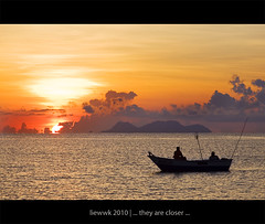 ... they are closer ... (liewwk - www.liewwkphoto.com) Tags: kualaabang dungun terengganu malaysia sunrise first light day rise or ascent sun above horizon morning       southchinasea  liewwk wwwliewwkphotocom httpliewwkmacroblogspotcom canon 50d 24105l