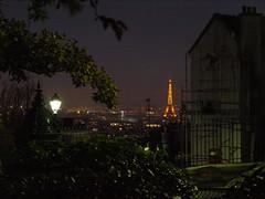 Montmartre, 20.11.2009 (Julie Quetier) Tags: paris france night noche view eiffeltower toureiffel torreeiffel vista monuments nuit vue montmarte