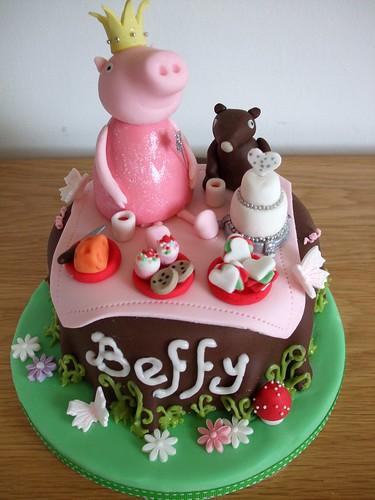 Princess Peppa's picnic cake