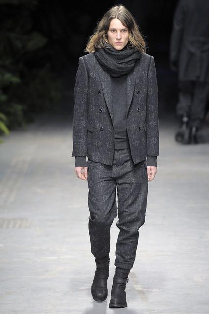 Tomek Szczukiecki3061_FW10_Milan_Costume National(VOGUEcom)