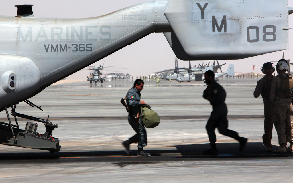 Marine Corps MV-22 Osprey supports Afghan personnel