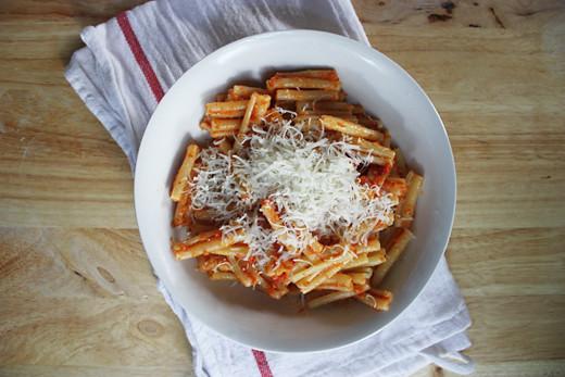 tomato & almond pesto