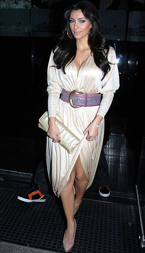 kim-kardashian-static-cling-1