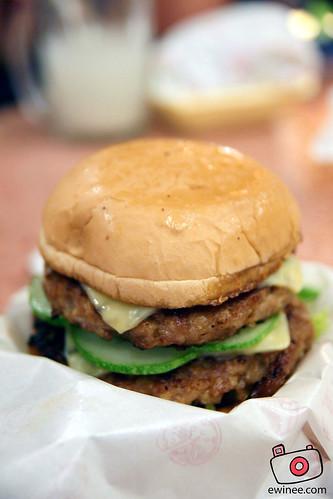 Uncle Ben Burger babi double patty