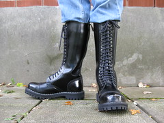 Steel Ranger Boots 20 Hole (JeanLemieux91) Tags: blue canada black leather army shiny long noir toe shine montral boots quality steel bleu jeans qubec round british tall combat sole heavy levis soles thick sturdy rugged laces eyelets luster bottes hautes longues lug lustre anglais cuir qualit trous lourd luisant lacets spitshined