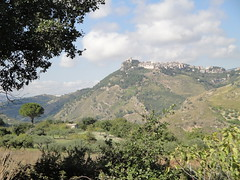 117 (betanooseneck) Tags: italy town brush hills sicily farms rollinghills