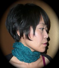 cabled cowl teal