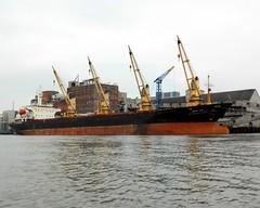 BUSSARA NAREE Cargo Vessel, Hudson River, Yonkers NY (jag9889) Tags: ny newyork thailand big kayak ship lift bangkok vessel cargo kayaking hudsonriver paddling yonkers 2010 westchestercounty y2010 bussaranaree jag9889