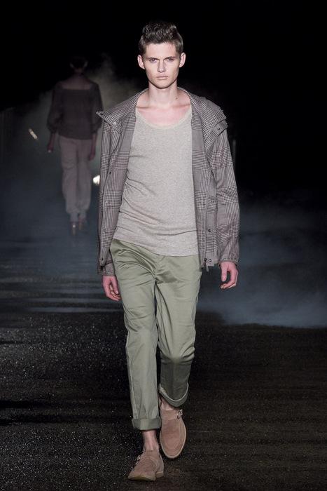 Matteo Haitzmann3035_SS11_Tokyo_Davit MEURSAULT(Fashionsnap)