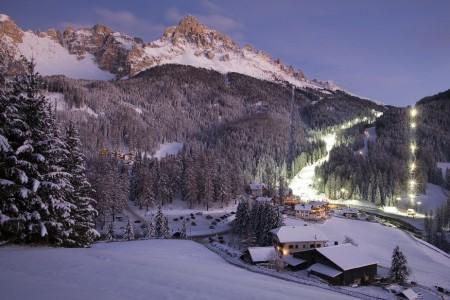Obereggen - lyžování v legendárním světě krále Laurina