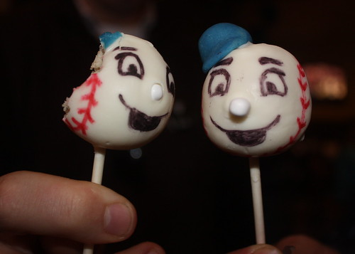 Mr. Met cake pops